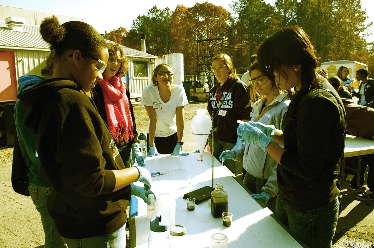 girls-doing-science